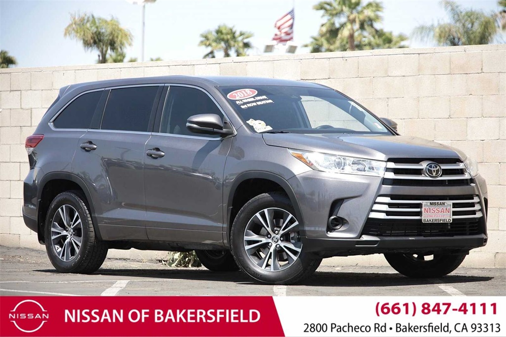 Used 2018 Toyota Highlander LE in Bakersfield, CA