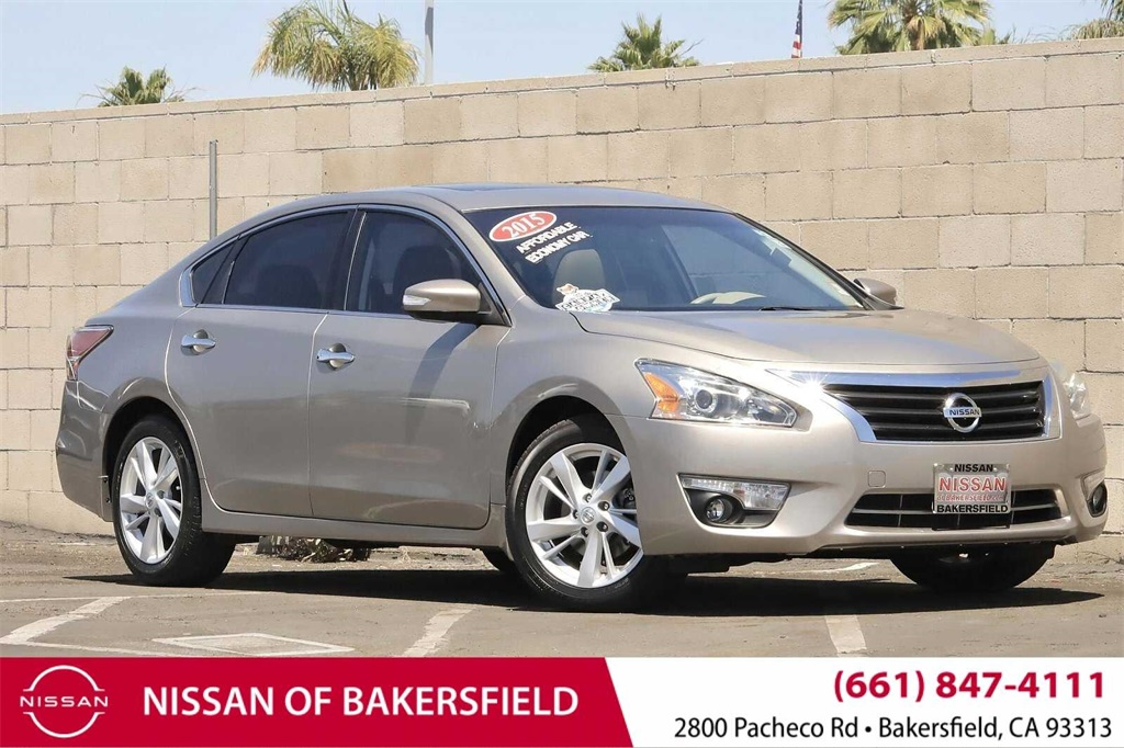 Used 2015 Nissan Altima 2.5 SV in Bakersfield, CA