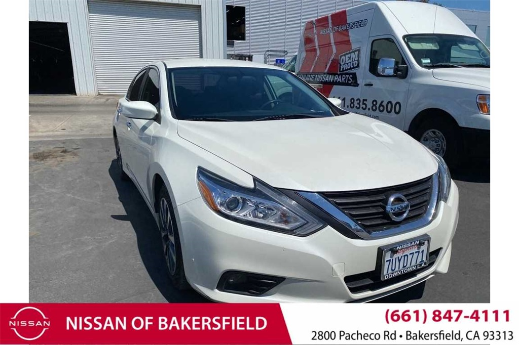Used 2017 Nissan Altima 2.5 SV in Bakersfield, CA