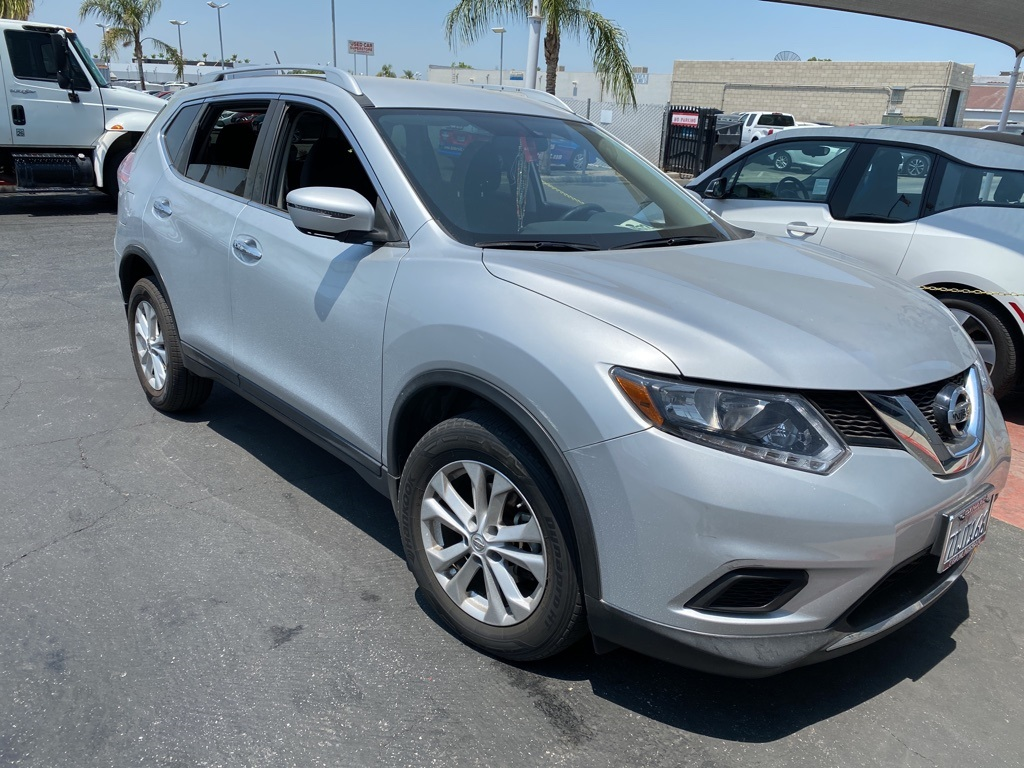 Used 2016 Nissan Rogue SV in Bakersfield, CA