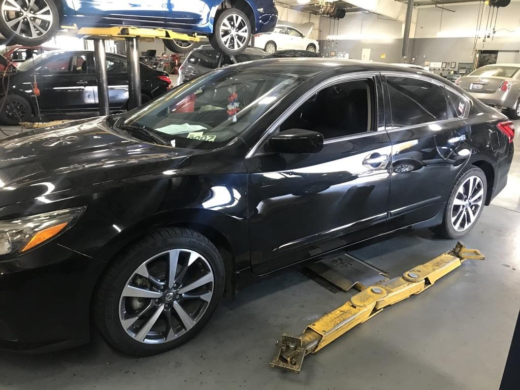 Used 2016 Nissan Altima 2.5 SR in Bakersfield, CA