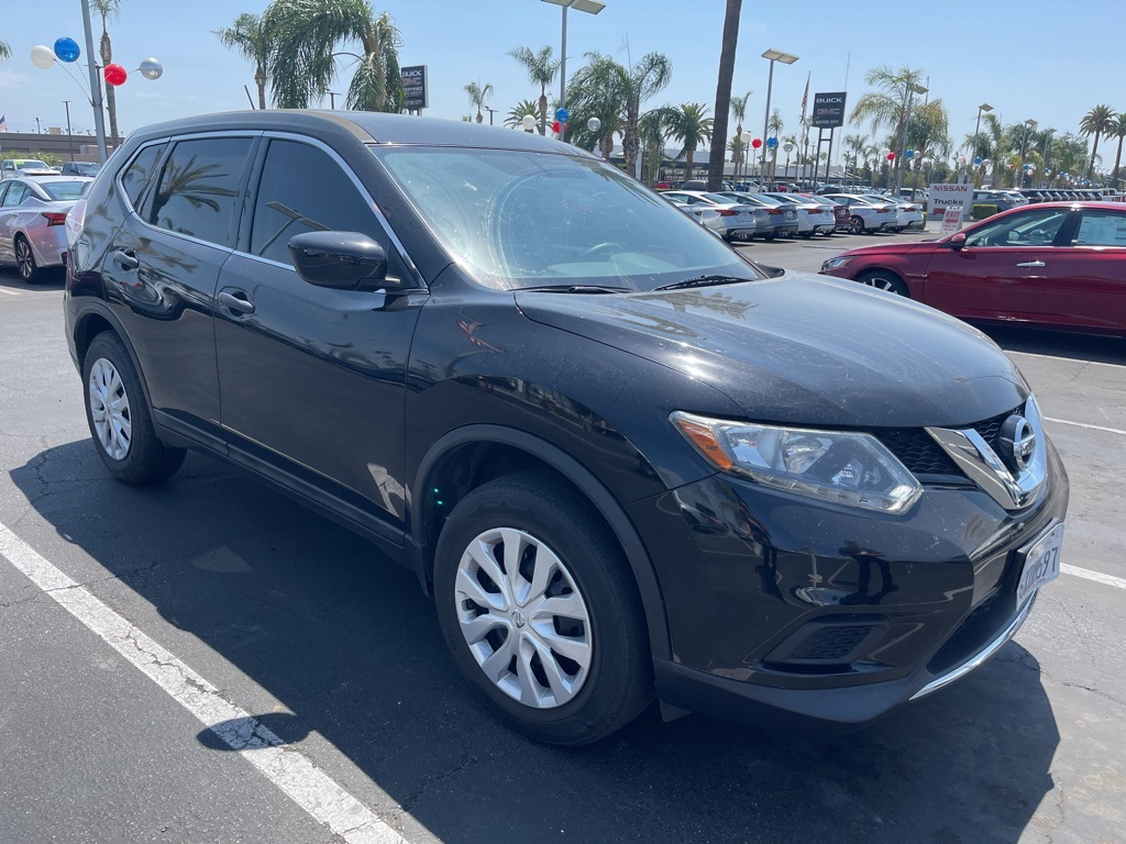 Used 2016 Nissan Rogue S in Bakersfield, CA