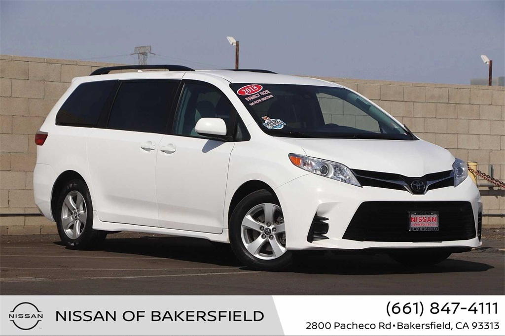 Used 2018 Toyota Sienna LE in Bakersfield, CA