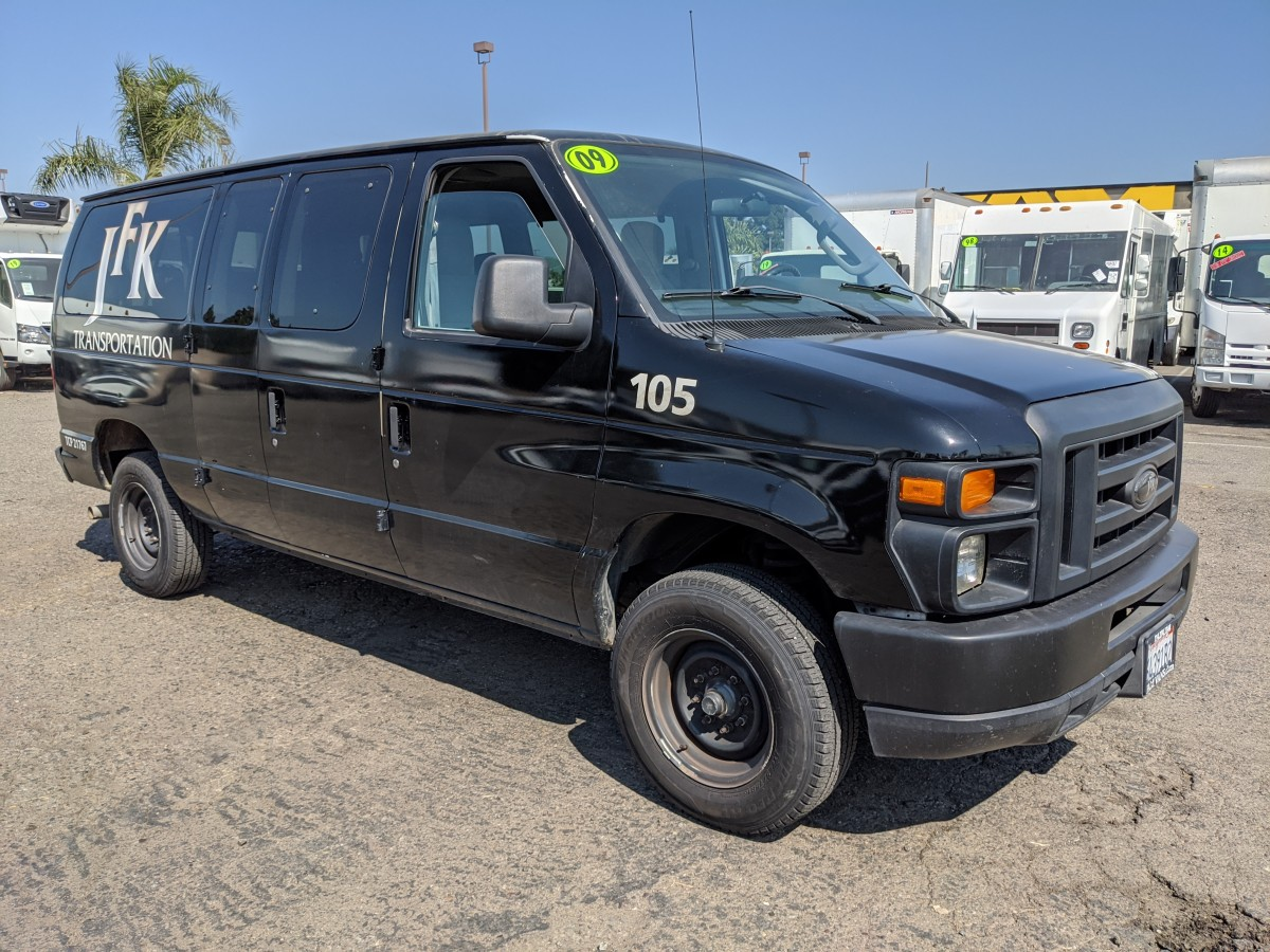 Used 2009 Ford E-350 Extended 10 Passenger Van in Fountain Valley, CA