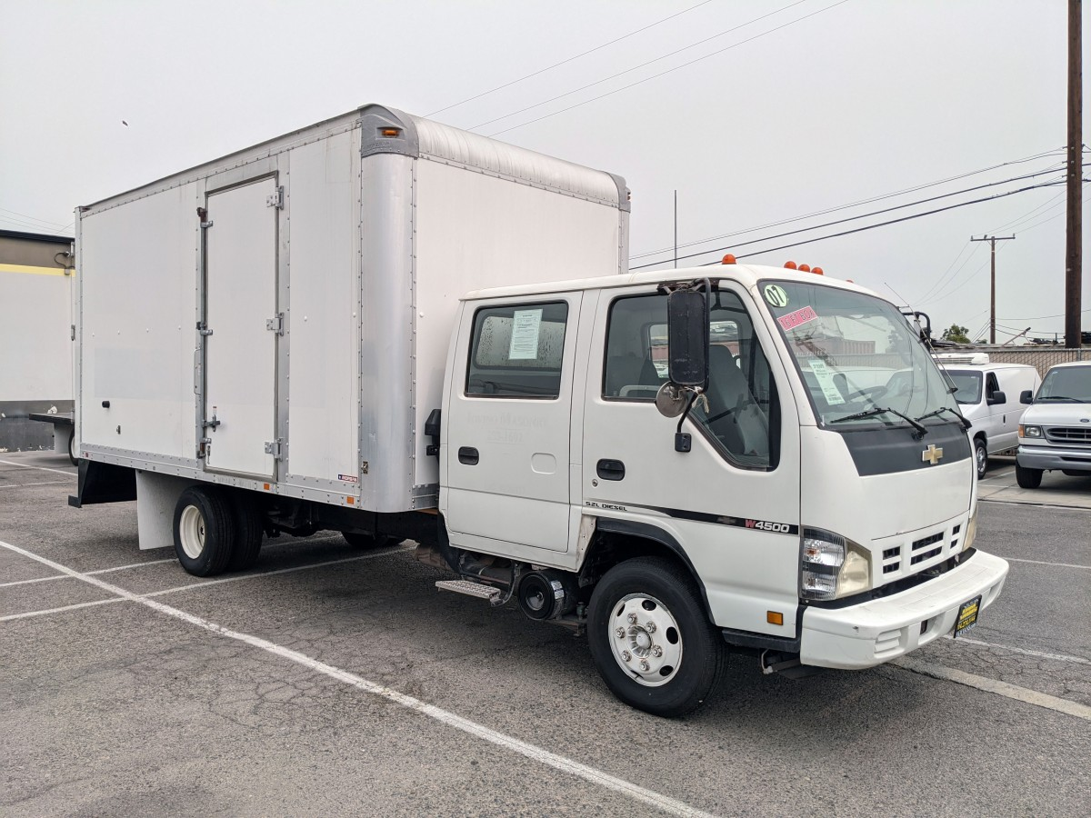Used 2007 Chevrolet W4500 16FT Box Truck Crew Cab DIESEL in Fountain Valley, CA