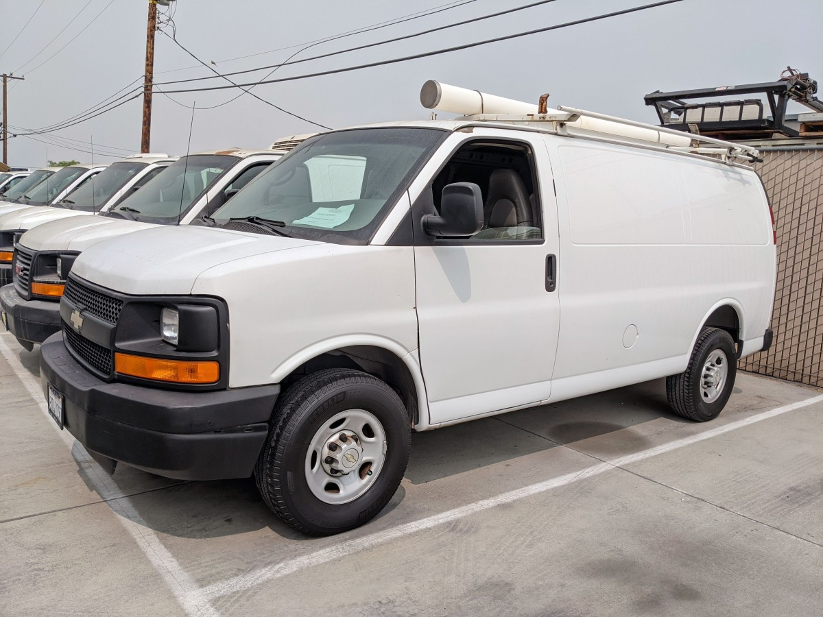 Used 2008 Chevrolet Express 2500 Cargo Van with Roof Rack in Fountain Valley, CA