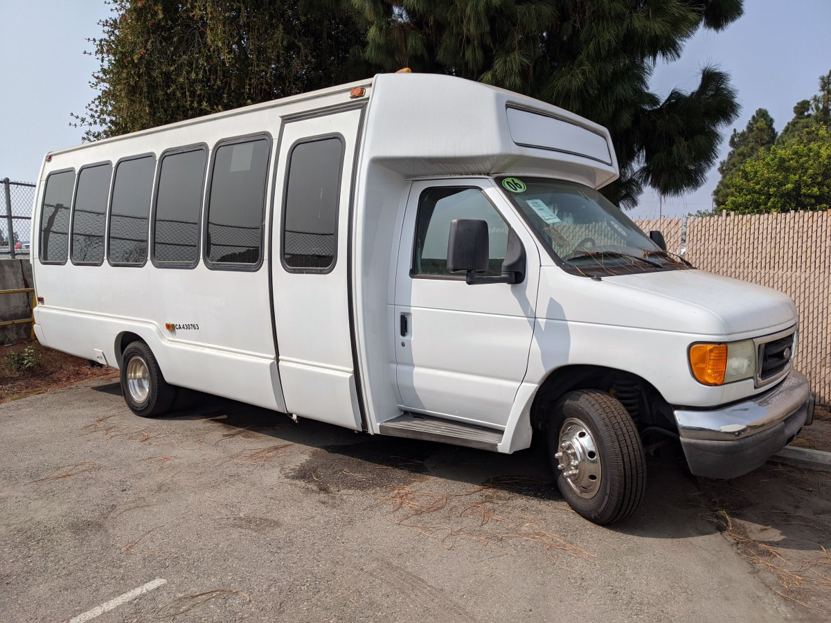 Used 2006 Ford E-450 Bus in Fountain Valley, CA