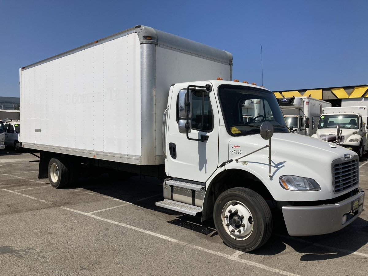 Used 2018 Freightliner M2 106 20FT Box Truck CLEAN DIESEL in Fountain Valley, CA