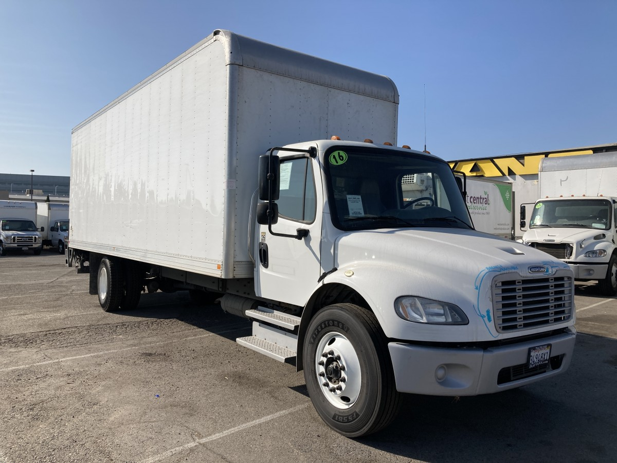 Used 2016 Freightliner M2 106 26FT Box Truck with Liftgate DIESEL in Fountain Valley, CA