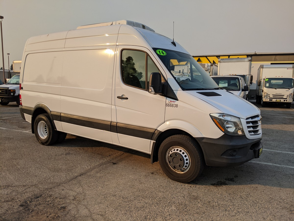 Used 2016 Freightliner Sprinter 3500 High Roof Refrigeration Dually Reefer Cargo Van DIESEL in Fountain Valley, CA