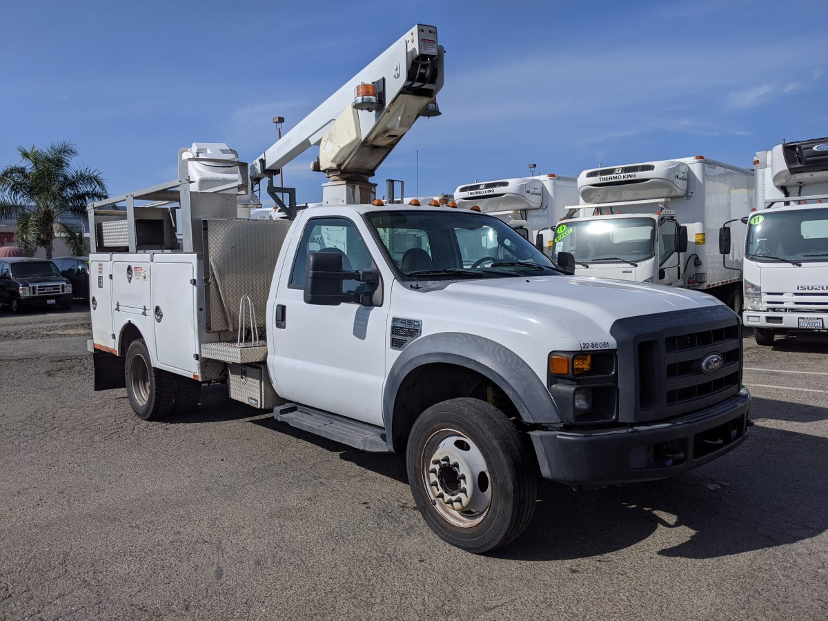 Used 2008 Ford F-450 SD Boom Utility Truck XL in Fountain Valley, CA