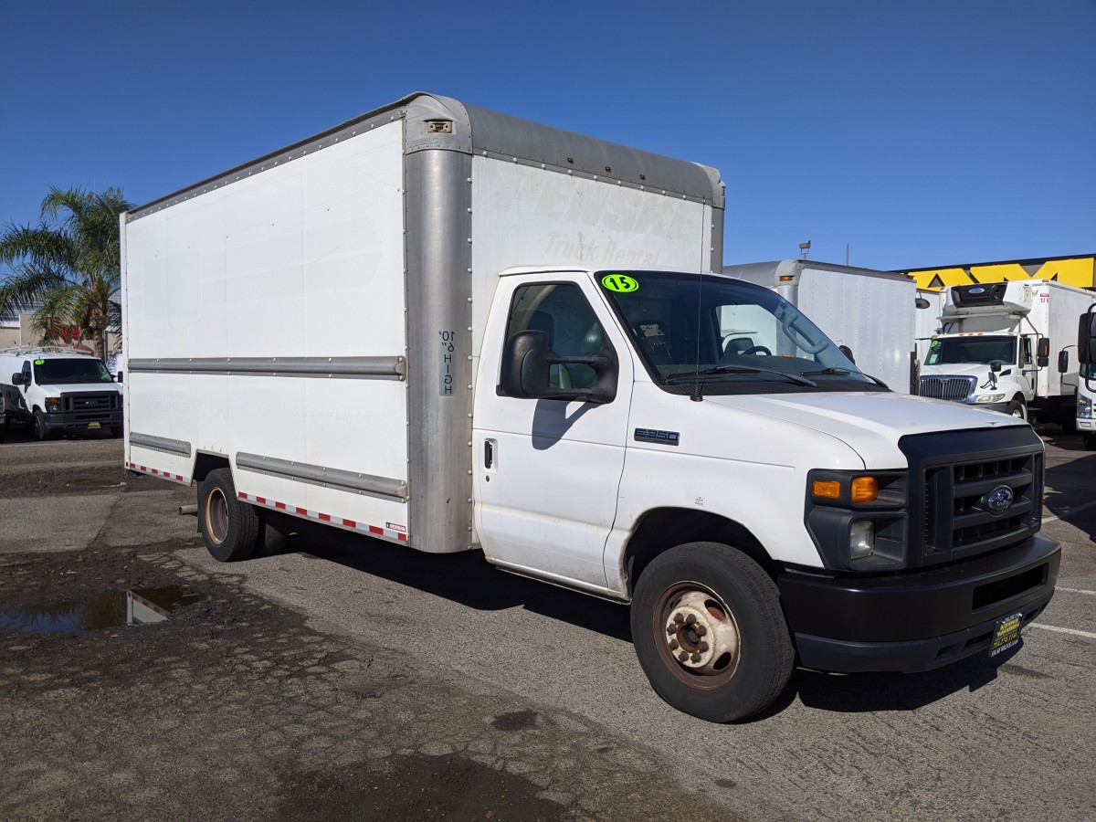 Used 2015 Ford E-350 SD 16FT Box Truck with Loading Ramp in Fountain Valley, CA