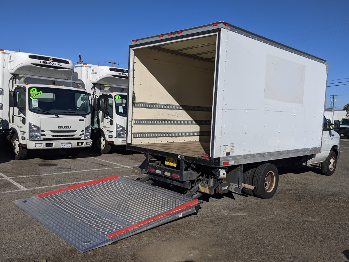 Used 2013 Ford E-350 14FT Box Truck with Liftgate in Fountain Valley, CA