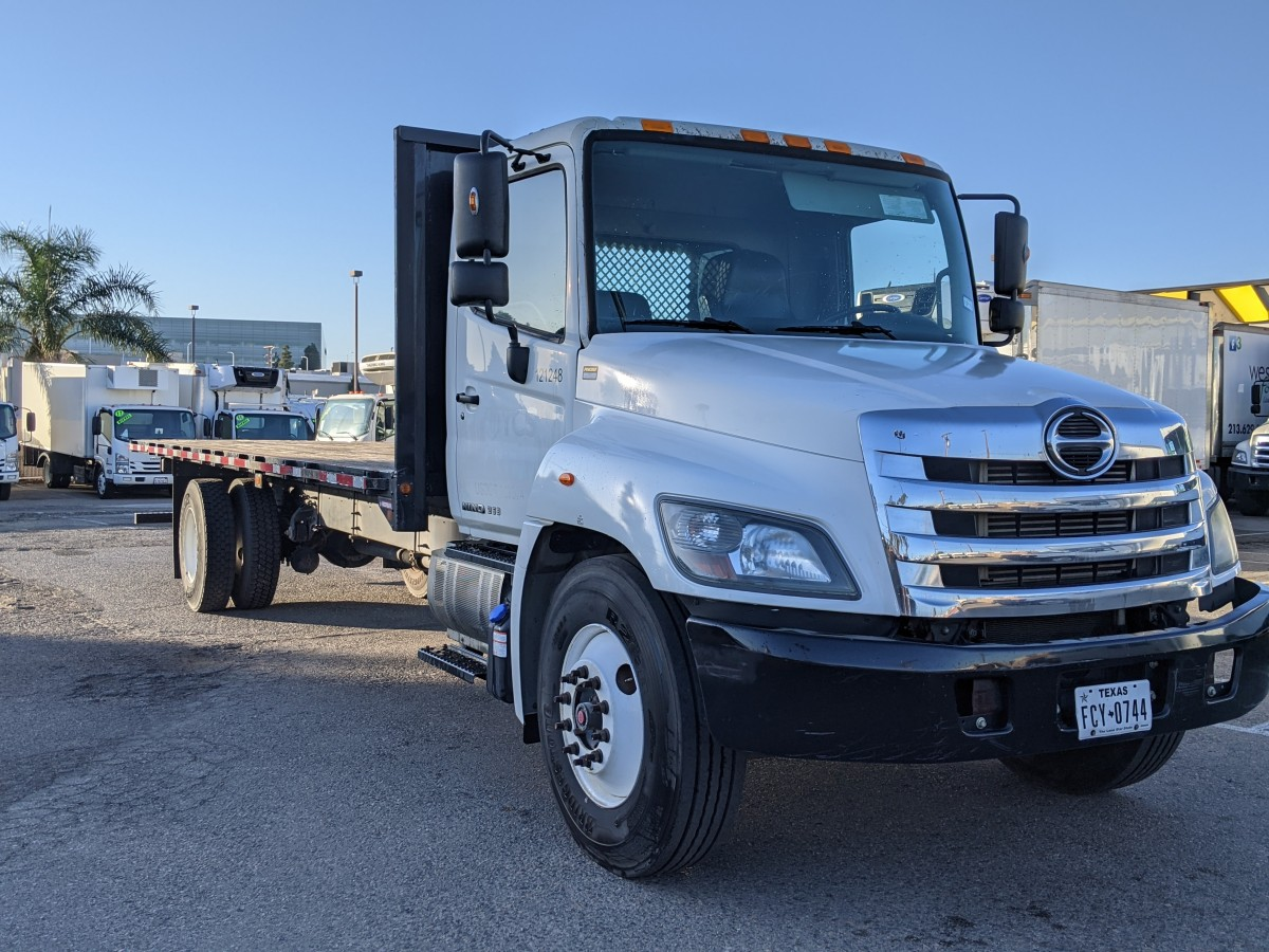 Used 2015 Hino 268 26FT Flat Bed Truck DIESEL in Fountain Valley, CA