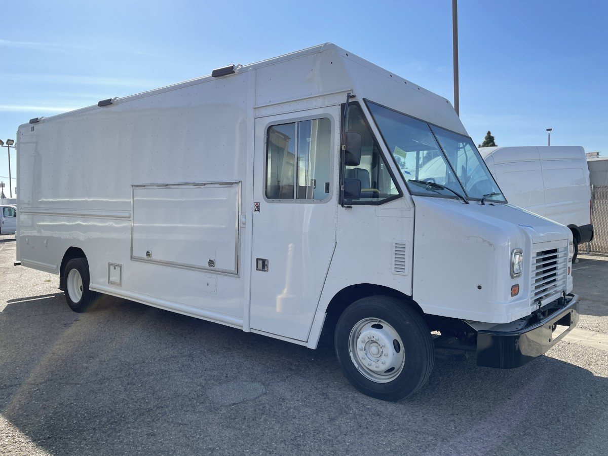 Used 2018 Ford F59 20FT Step Van Catering Food Truck Ready in Fountain Valley, CA