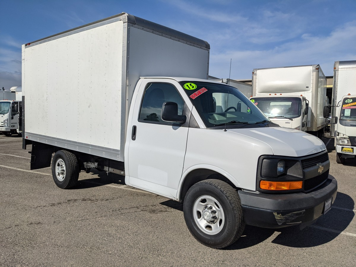 Used 2015 Chevrolet Express 3500 12FT Box Truck with Liftgate in Fountain Valley, CA