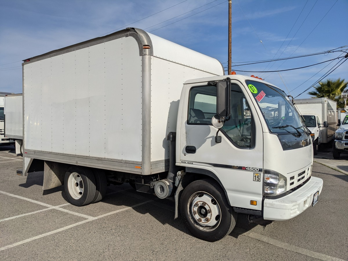 Used 2006 Chevrolet W4500 12FT Box Truck in Fountain Valley, CA