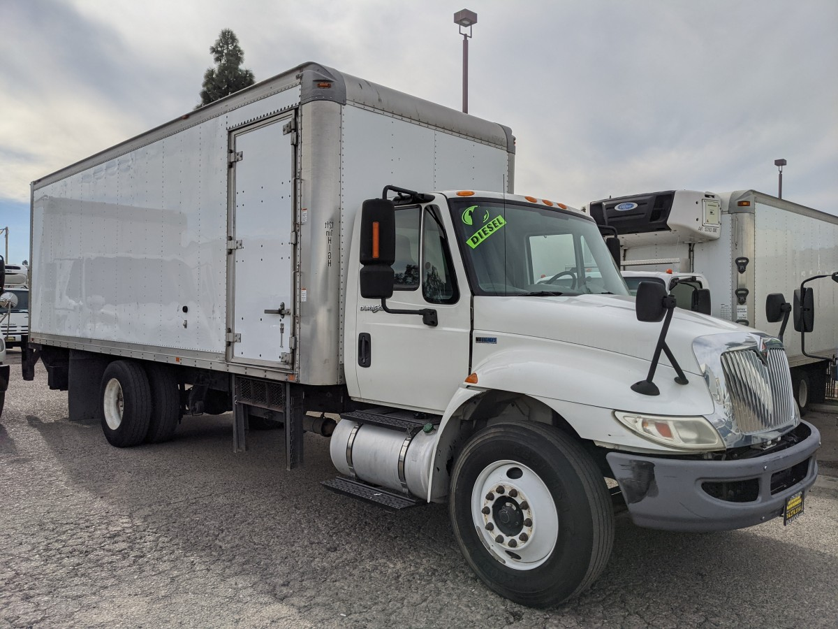 Used 2012 International Durastar 4300 24FT Box Truck DIESEL in Fountain Valley, CA