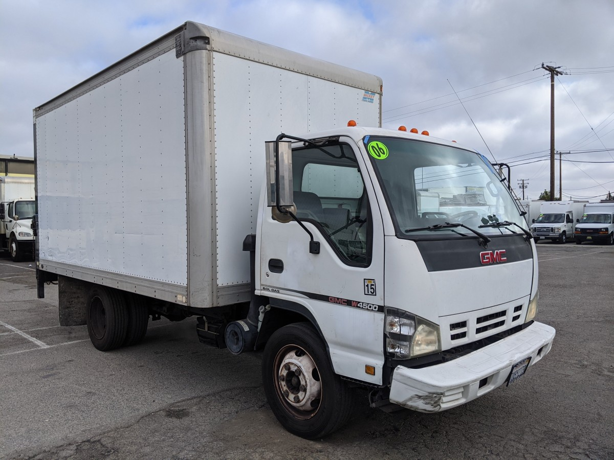 Used 2006 GMC W4500 14FT Box Truck with Liftgate in Fountain Valley, CA