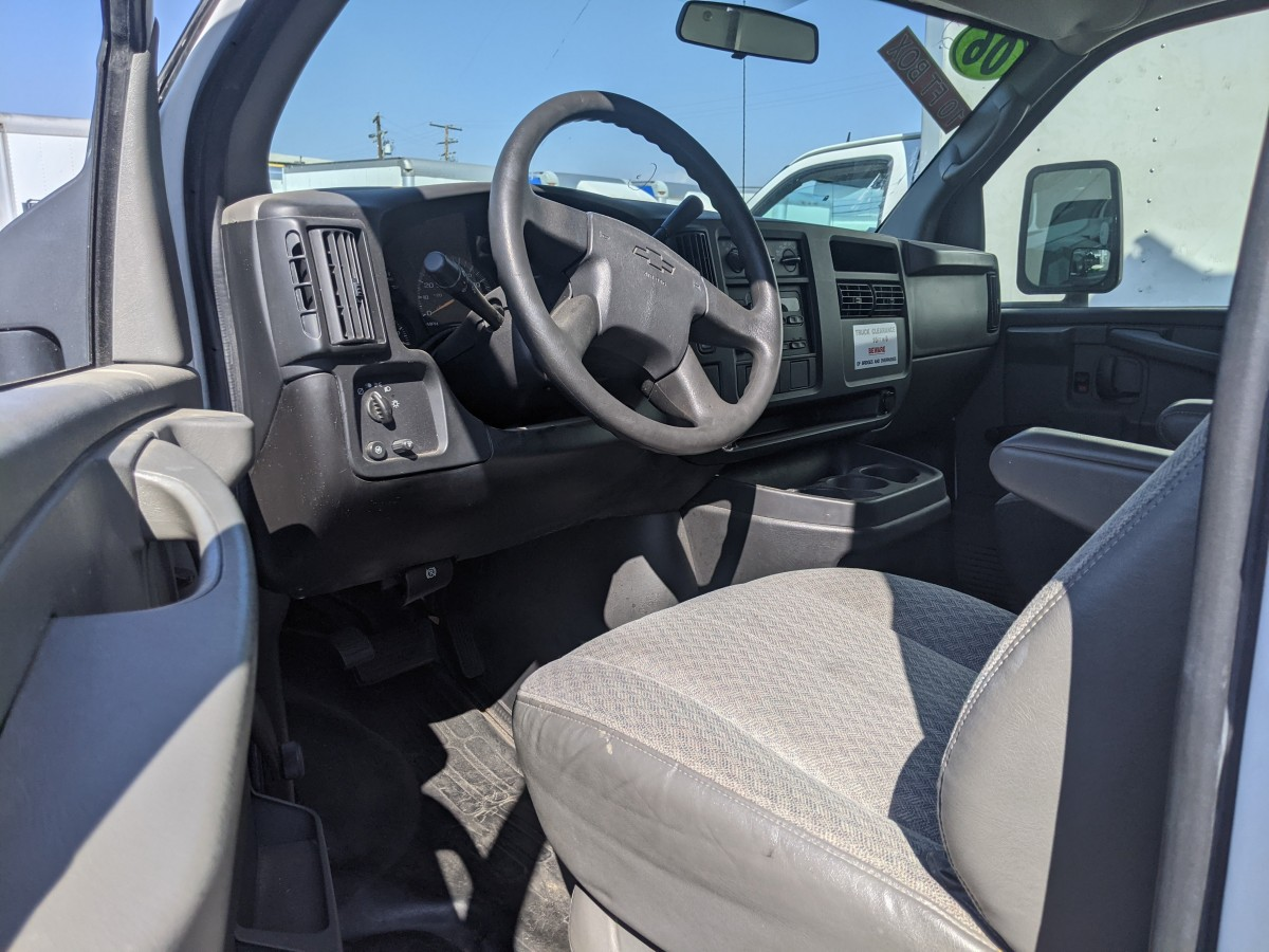 Used 2006 Chevrolet Express 3500 Box Truck in Fountain Valley, CA