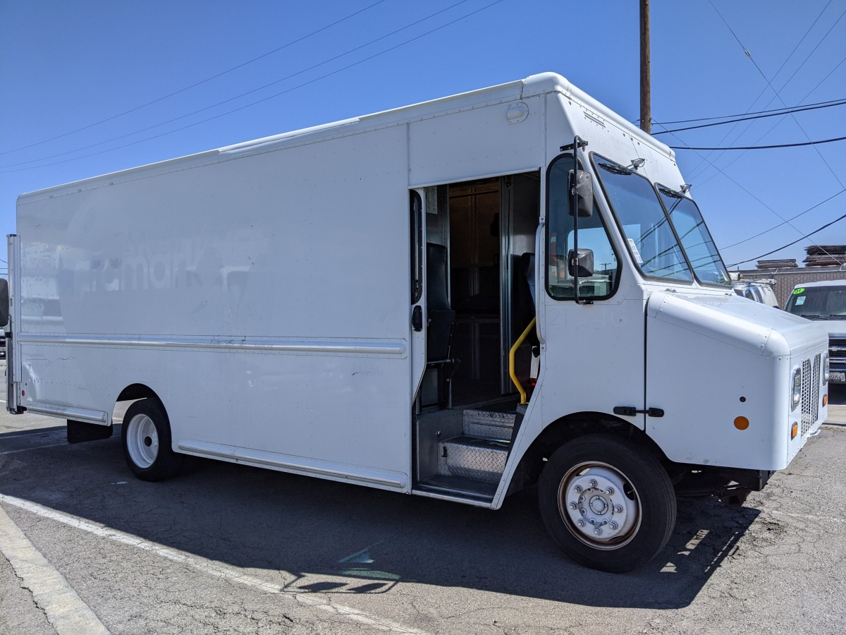 Used 2011 Workhorse W42 Step Van with Liftgate in Fountain Valley, CA