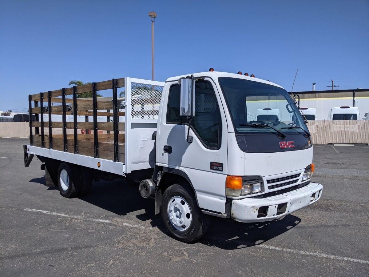 Used 2002 GMC W3500 14FT Stake Bed Truck with Liftgate in Fountain Valley, CA
