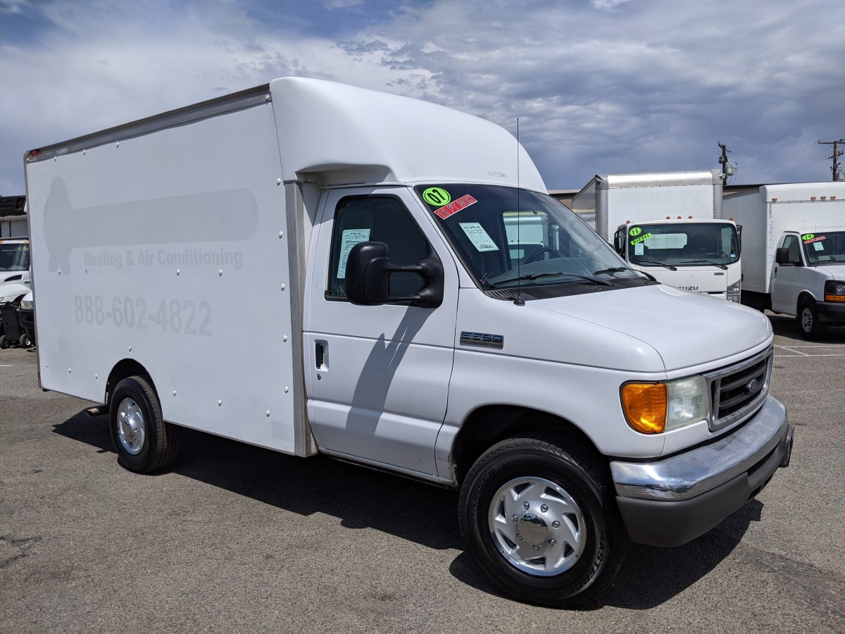 Used 2007 Ford E-350 SD 12FT Box Truck in Fountain Valley, CA