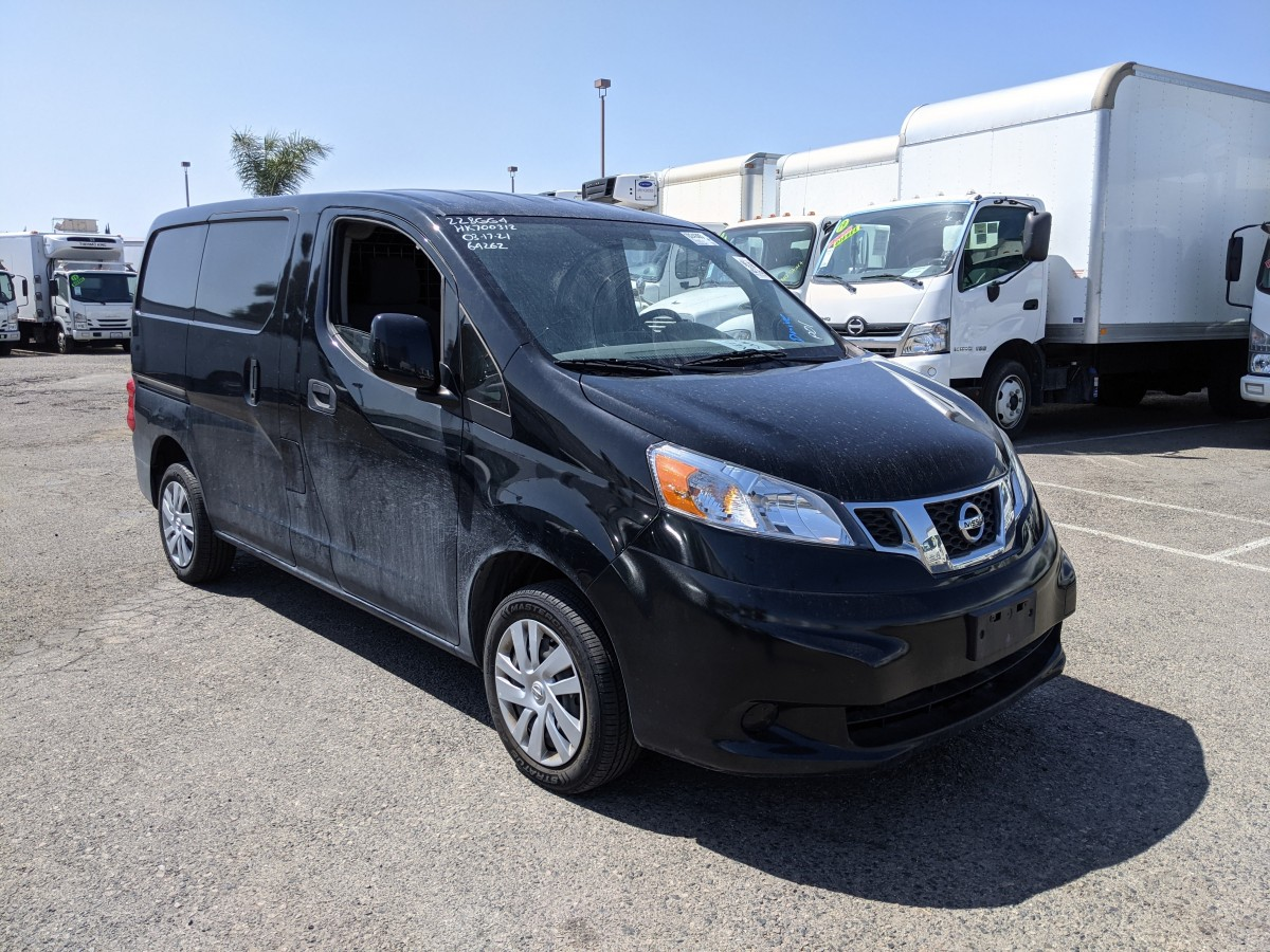 Used 2017 Nissan NV200 Cargo Mini Van with Bulkhead in Fountain Valley, CA
