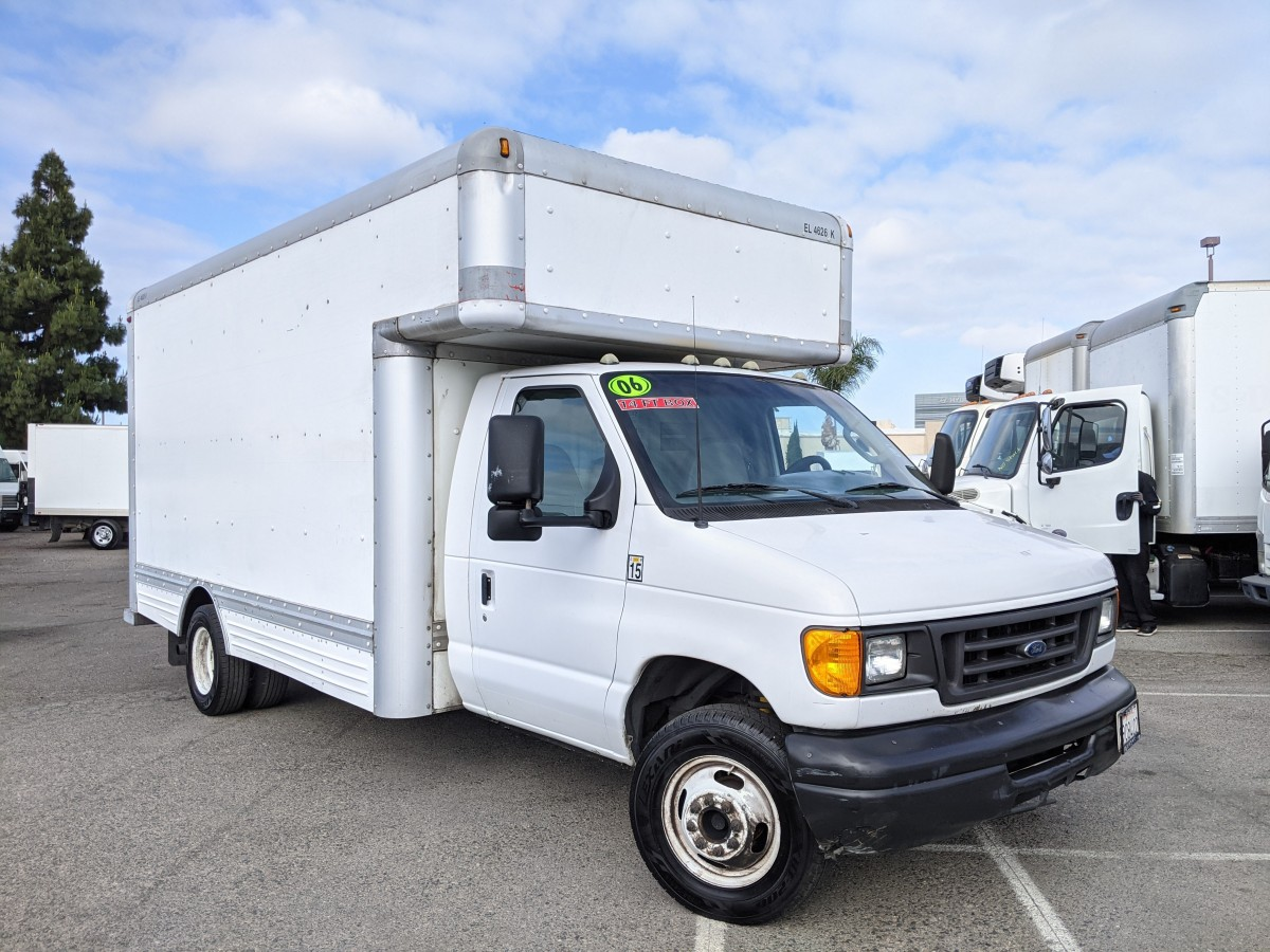 Used 2006 Ford E-450 14FT Box Truck with Loading Ramp in Fountain Valley, CA
