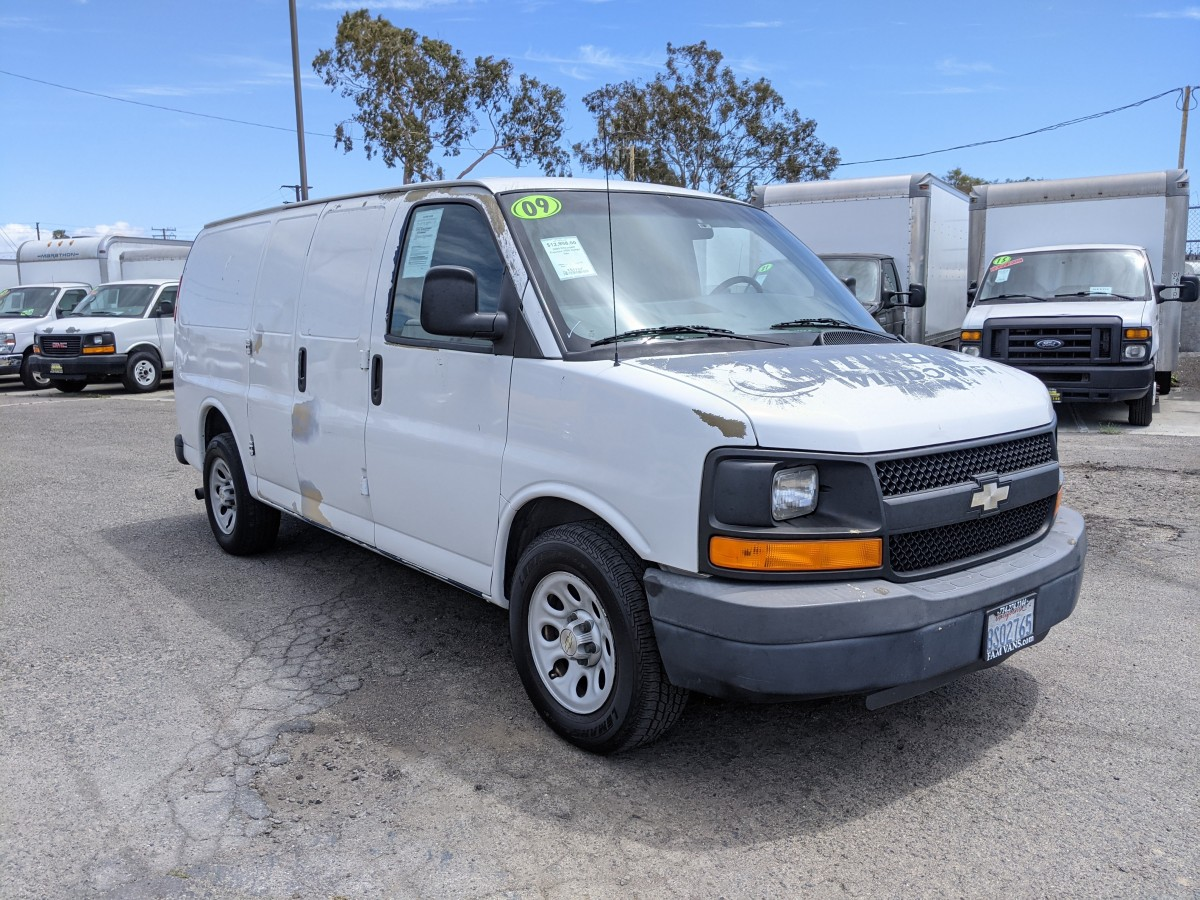 Used 2009 Chevrolet Express 1500 Cargo Van DING AND DENT in Fountain Valley, CA