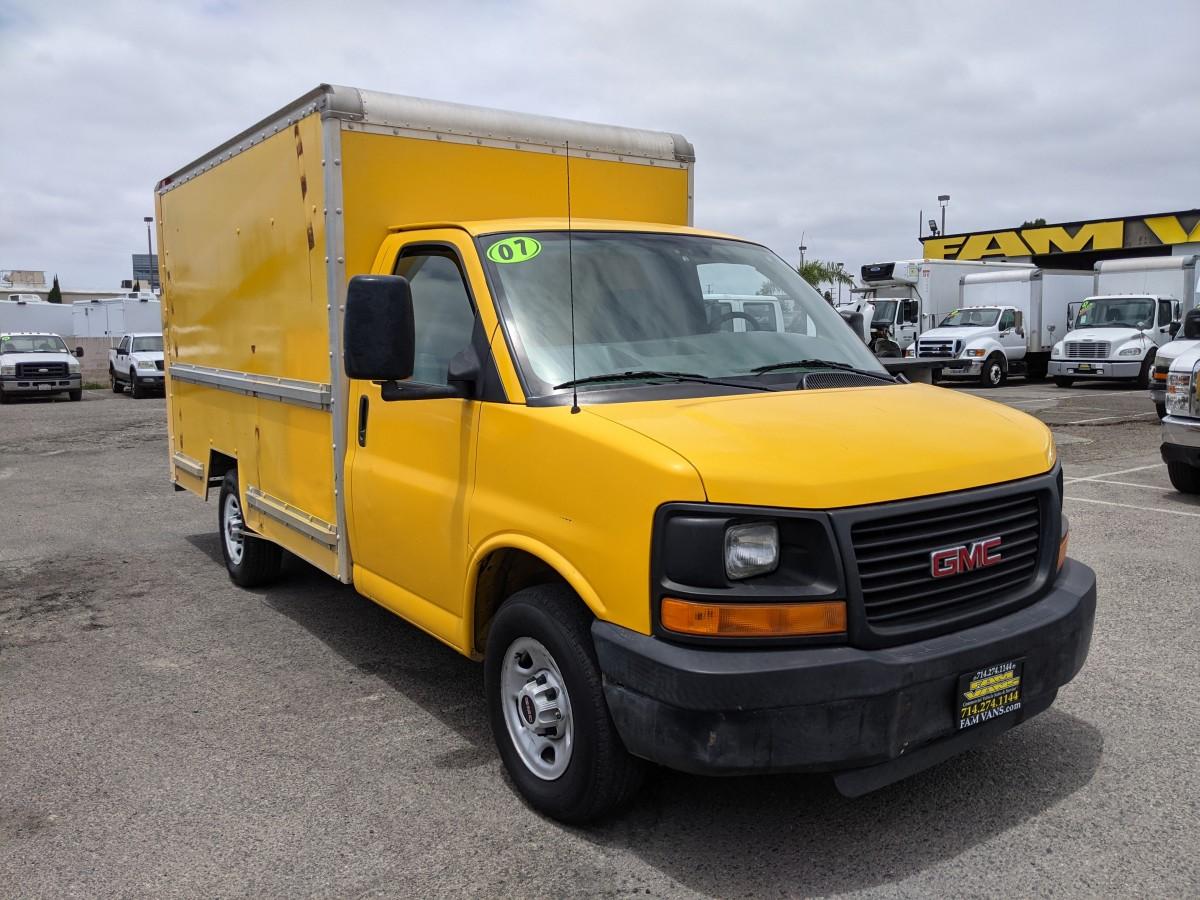 Used 2007 GMC Savana 3500 12FT Box Truck in Fountain Valley, CA