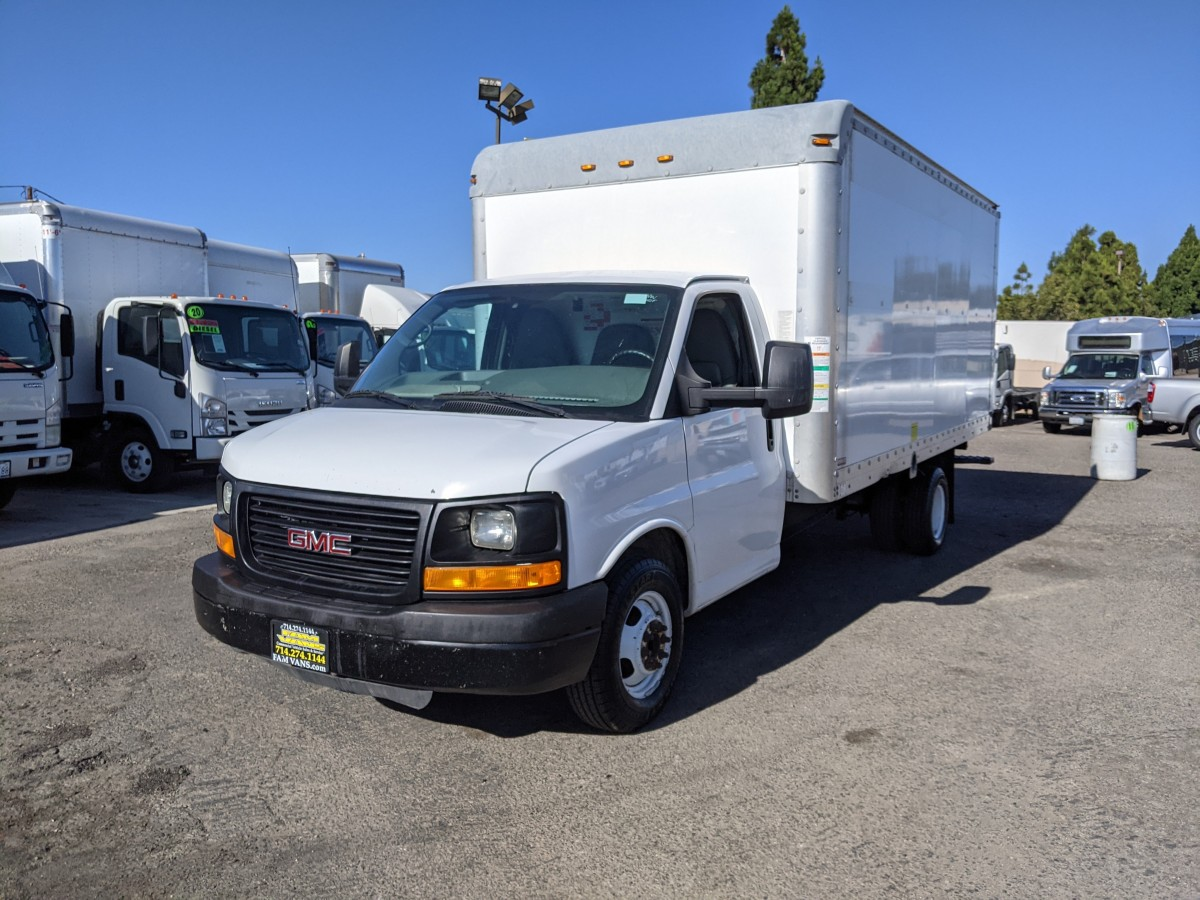 Used 2012 GMC Savana 3500 16FT Box Truck with Loading Ramp in Fountain Valley, CA