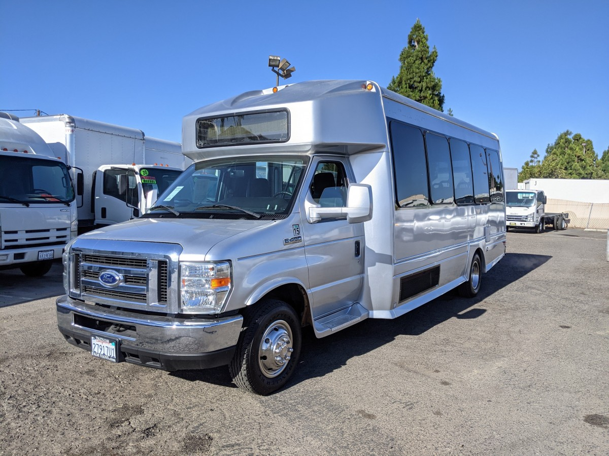 Used 2015 Ford E-450 SD Bus with Handicap Wheelchair Access  in Fountain Valley, CA