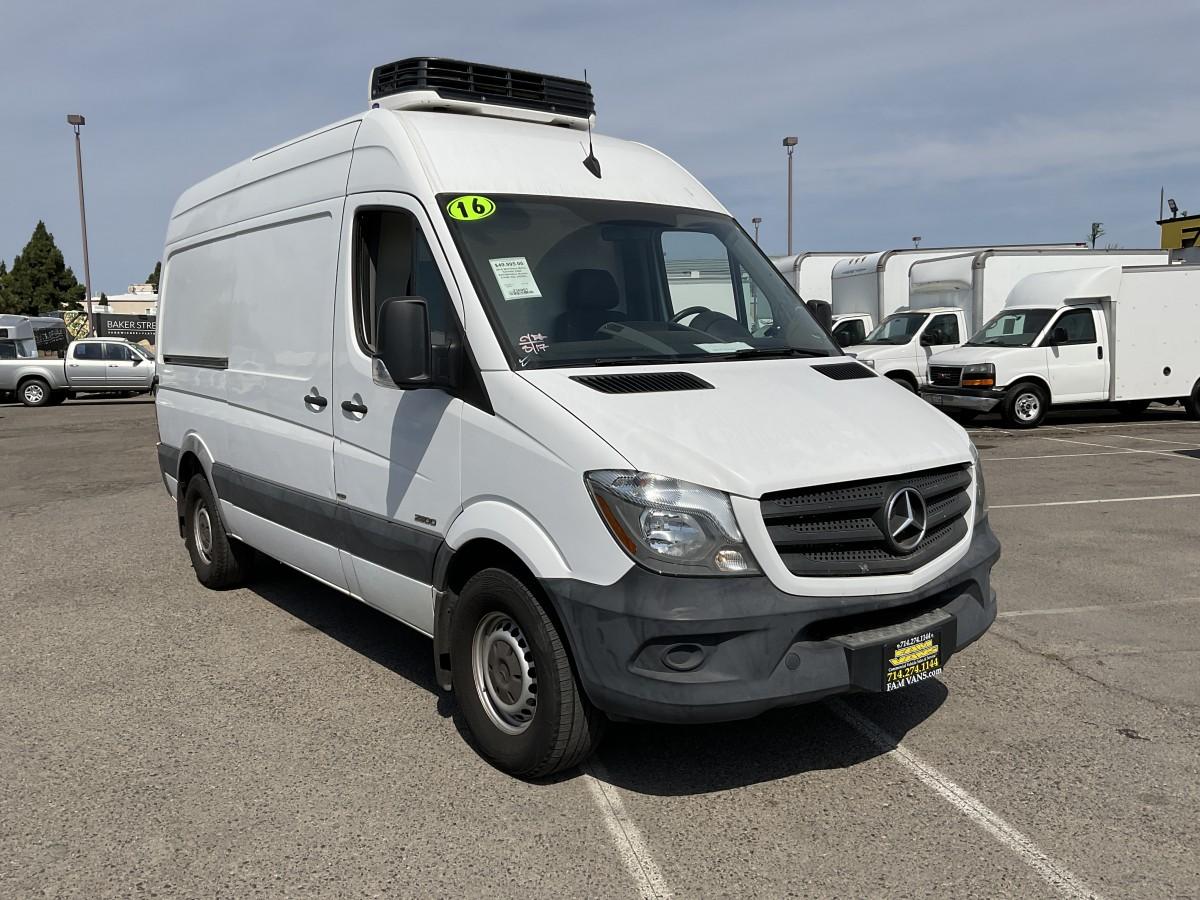Used 2016 Mercedes-Benz Sprinter 2500 Refrigeration Reefer Cargo Van DIESEL in Fountain Valley, CA