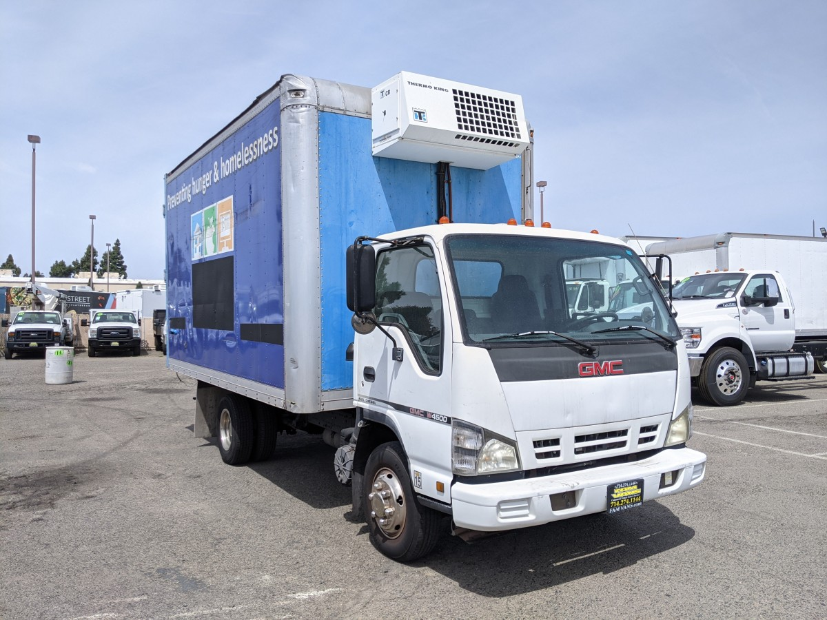 Used 2007 GMC W4500 14FT Refrigeration Reefer Box Truck DIESEL in Fountain Valley, CA