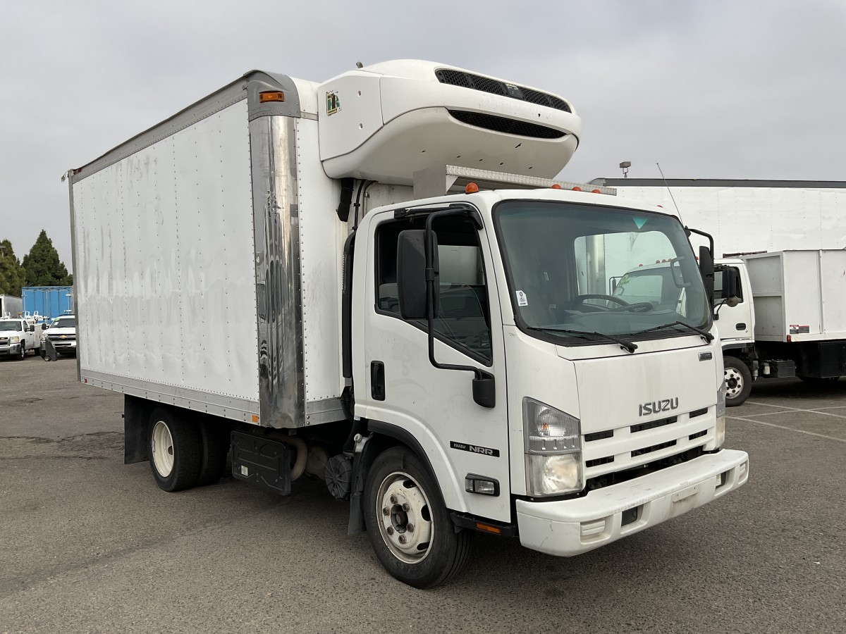 Used 2014 Isuzu NQR 14FT Reefer Box Truck DIESEL in Fountain Valley, CA