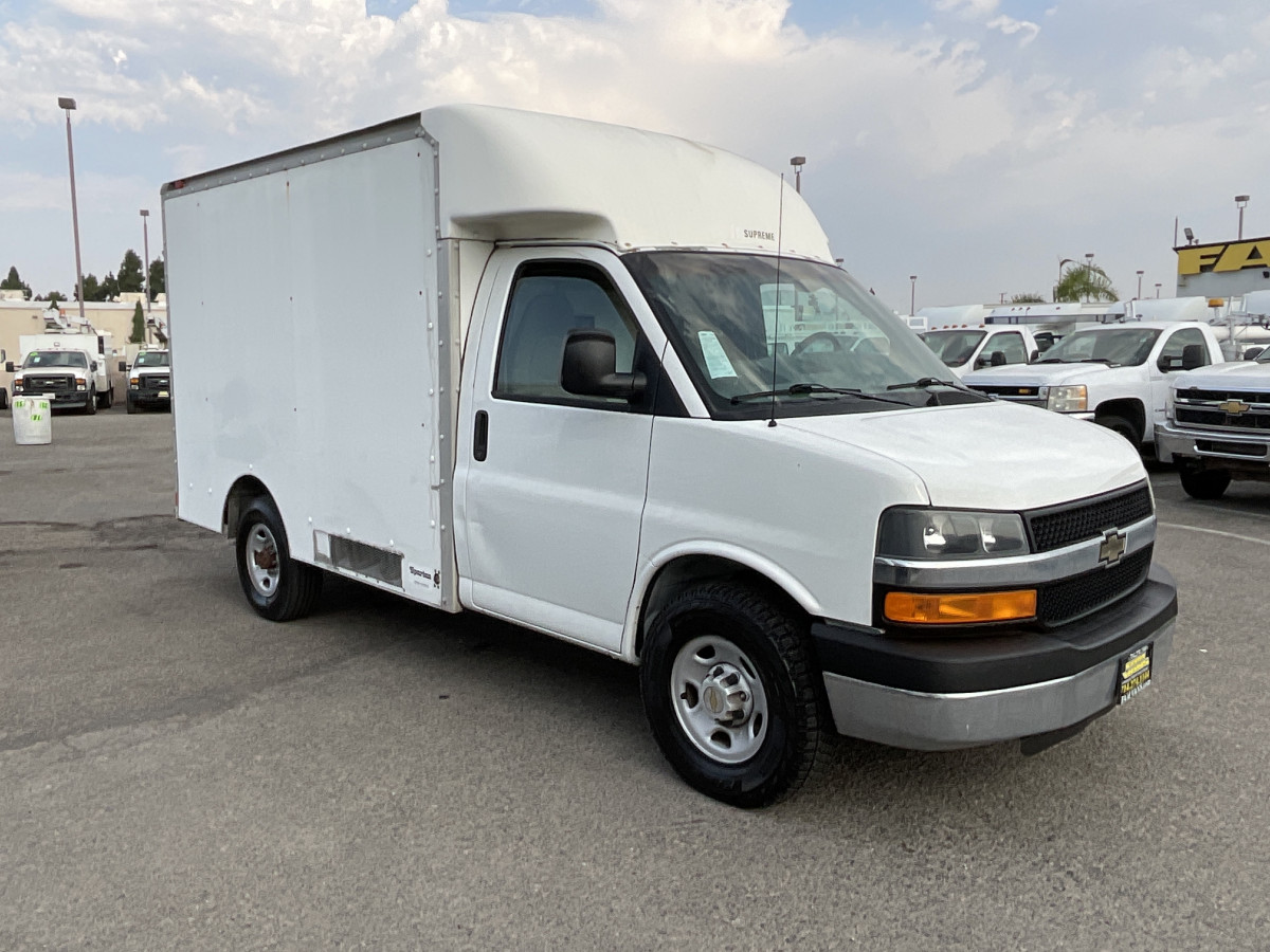 Used 2004 Chevrolet Express 3500 10FT Refrigeration Reefer Box Truck in Fountain Valley, CA
