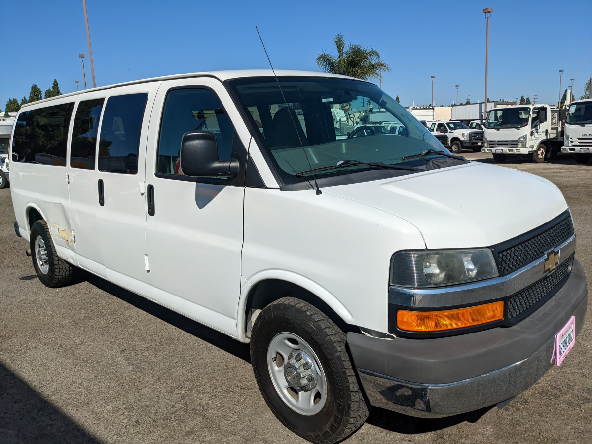 Used 2015 Chevrolet Express 3500 Extended Passenger Van DING AND DENT in Fountain Valley, CA