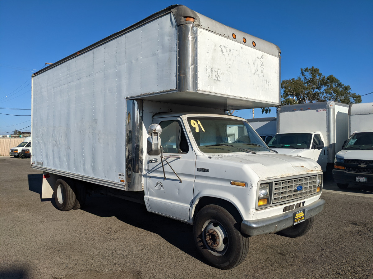 Used 1991 Ford E-350 16FT Box Truck with Loading Ramp in Fountain Valley, CA