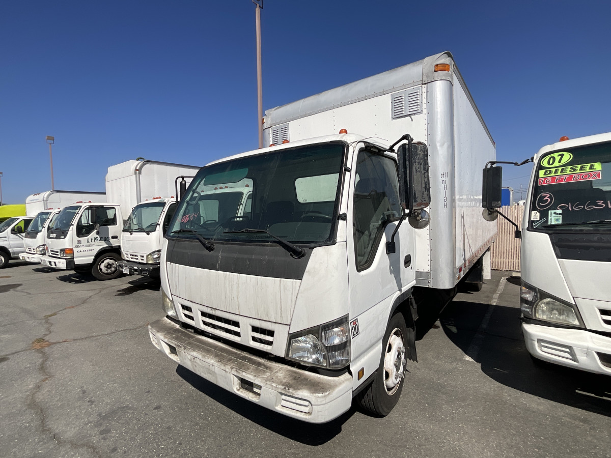 Used 2007 GMC W5500 18FT Box Truck DIESEL in Fountain Valley, CA