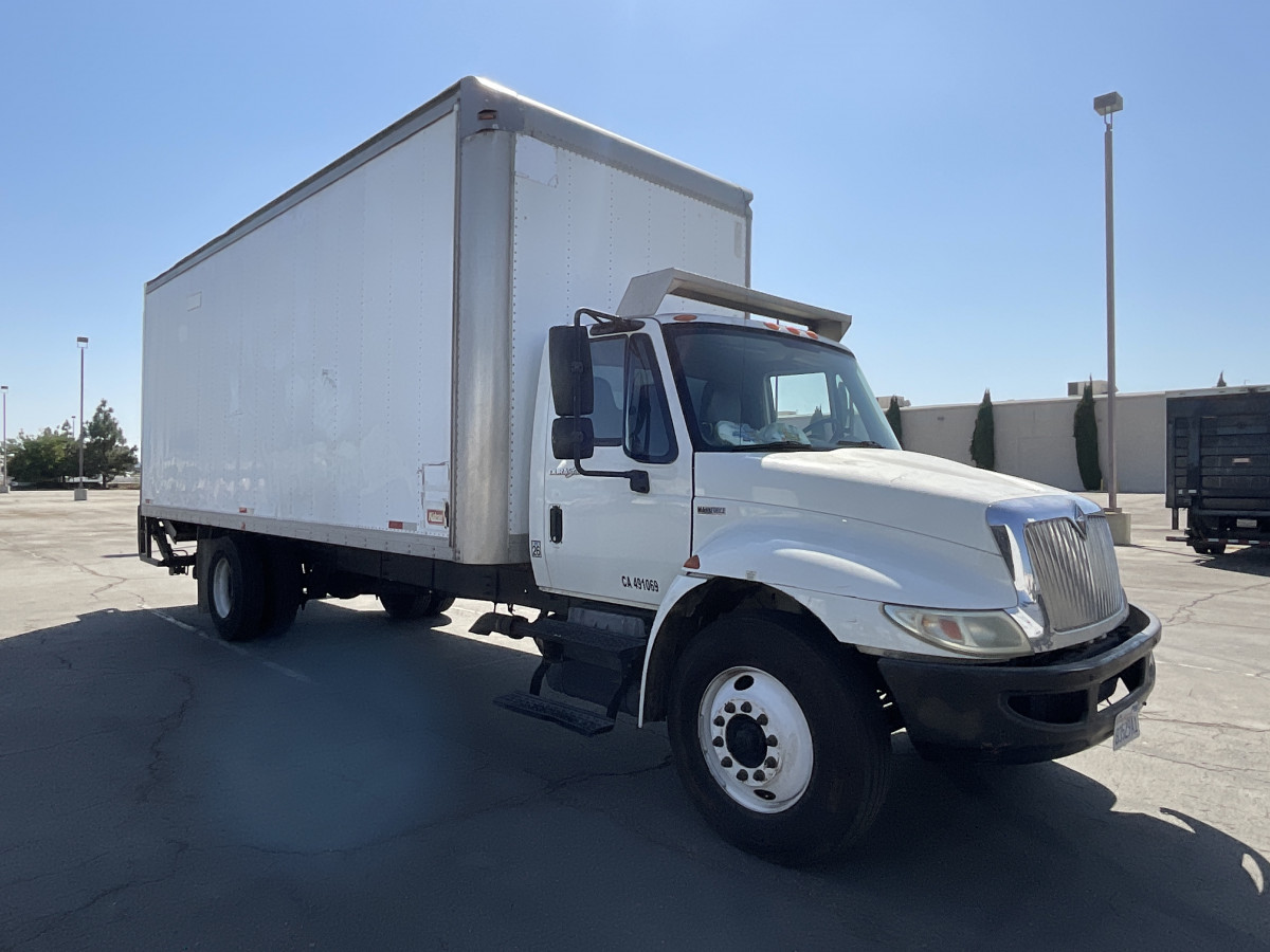 Used 2012 International Durastar 4300 24FT Box Truck with Liftgate DIESEL in Fountain Valley, CA