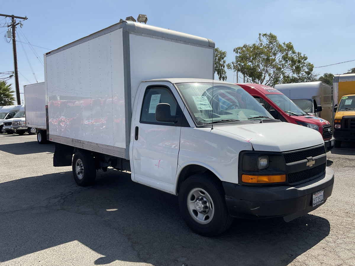 Used 2016 Chevrolet Express 3500 12FT Box Truck in Fountain Valley, CA