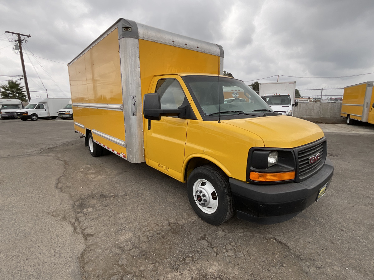 Used 2017 GMC Savana 3500 16FT Box Truck with Loading Ramp in Fountain Valley, CA