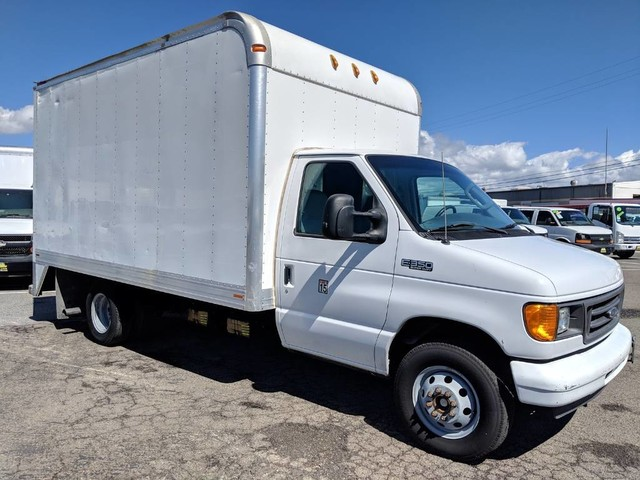 2005 Ford E-350 14FT Box Truck DIESEL in Fountain Valley, CA