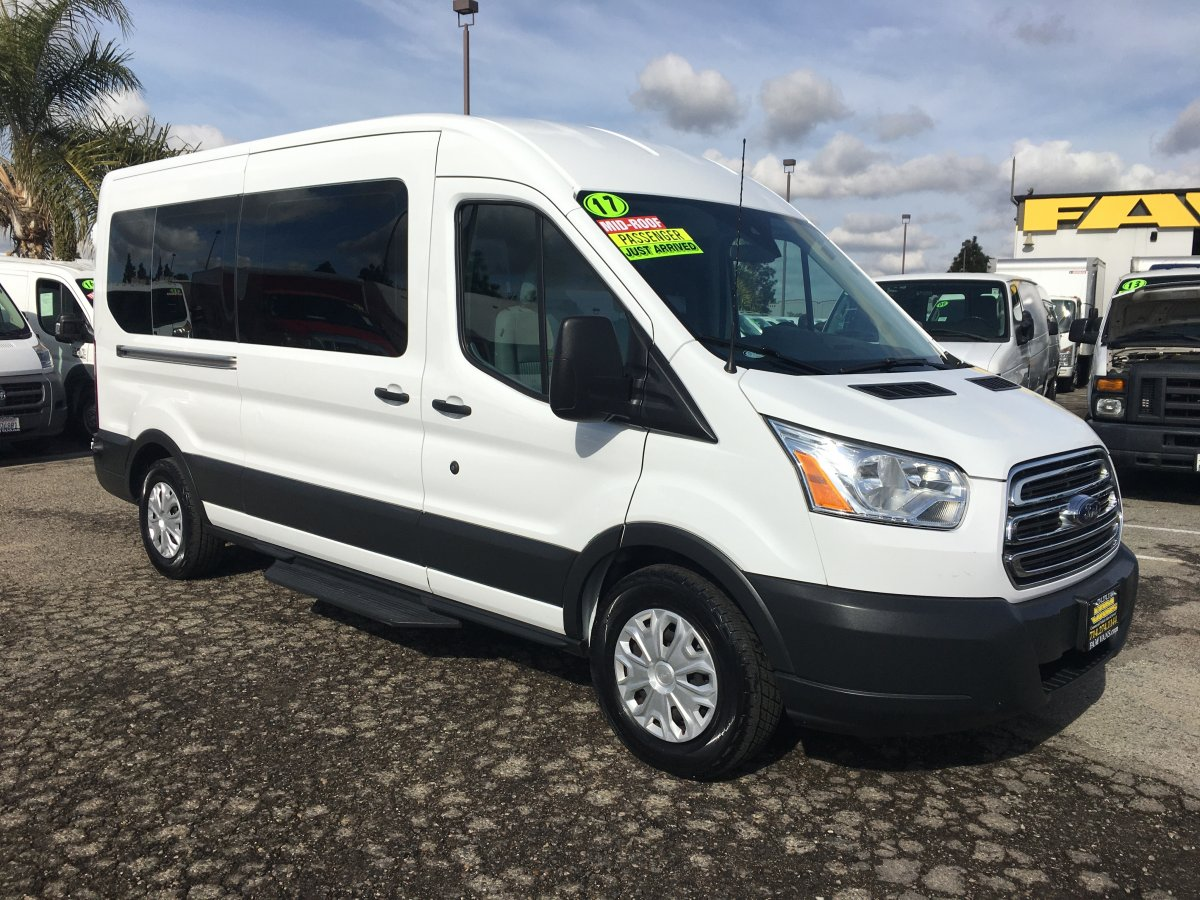2017 Ford Transit-350 Extended Mid Roof 15 Passenger Van XLT in Fountain Valley, CA