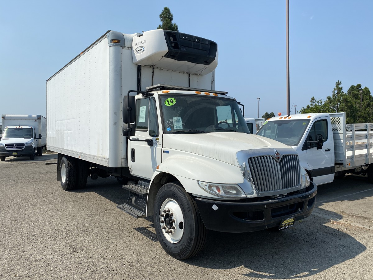 Used 2014 International Durastar 4300 22FT Refrigeration Reefer Box Truck with Loading Ramp DIESEL in Fountain Valley, CA