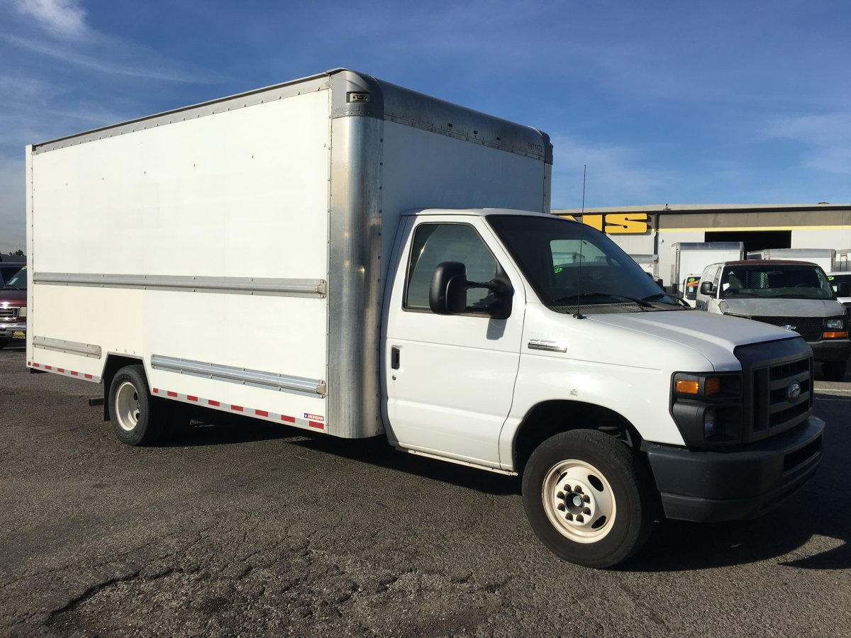 2015 Ford E-350 SD 16FT Box Truck with Loading Ramp in Fountain Valley, CA