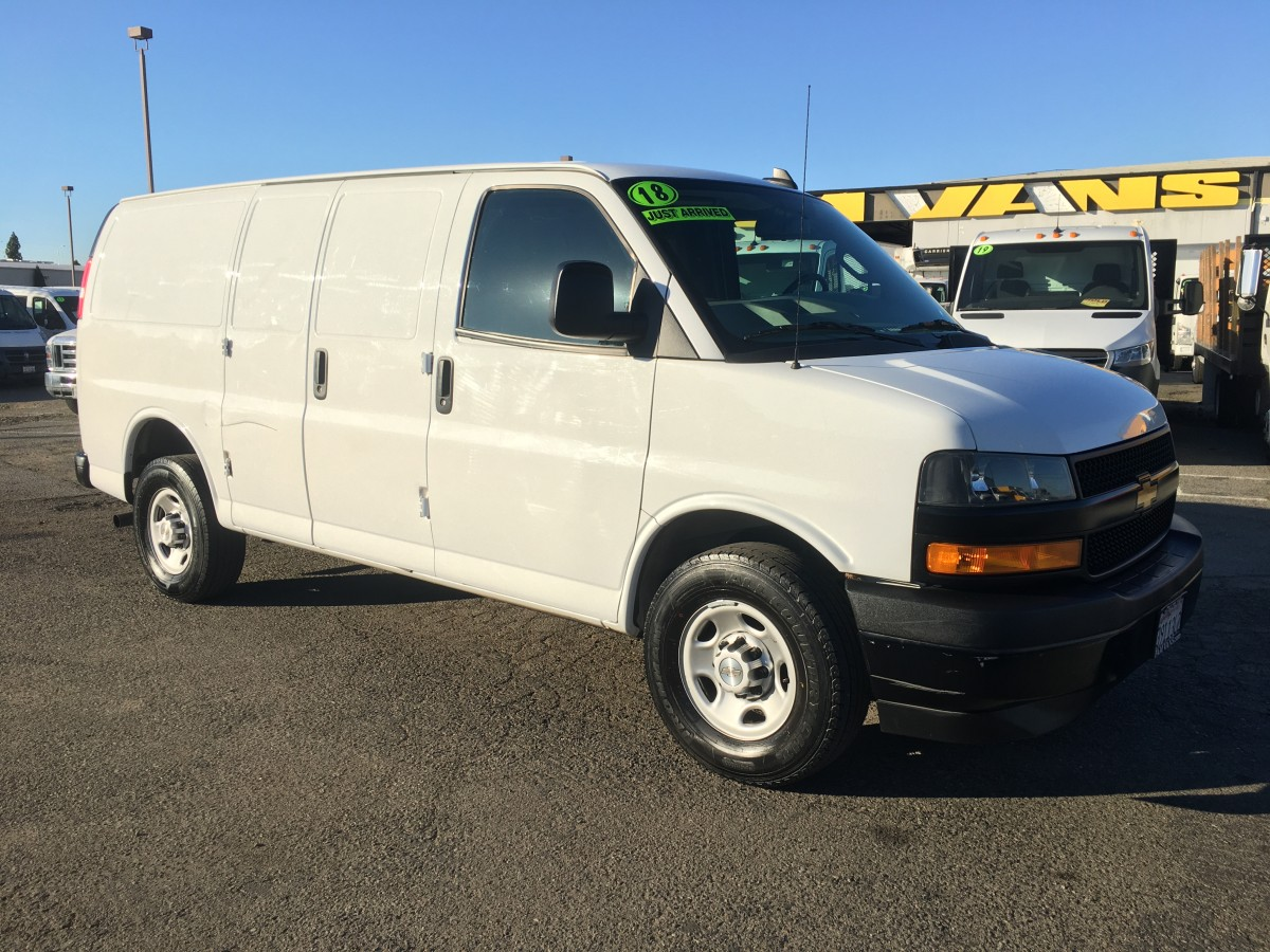 2018 Chevrolet Express 2500 Cargo Van in Fountain Valley, CA