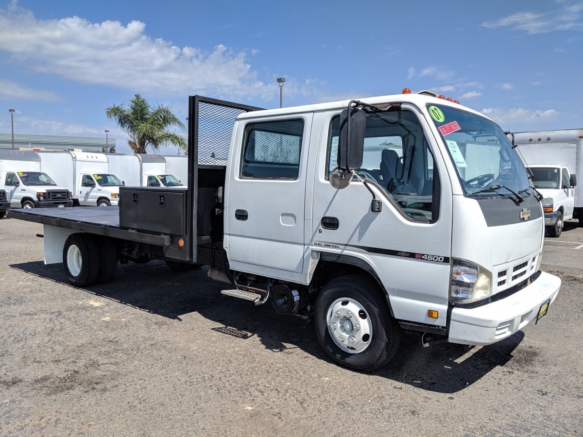 2007 Chevrolet W4500 16FT Flat Stake Bed Truck DIESEL in Fountain Valley, CA