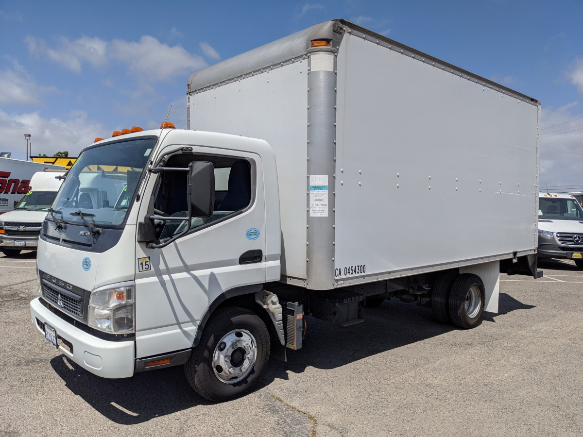 Used 2010 Mitsubishi FE84D 16FT Box Truck DIESEL in Fountain Valley, CA